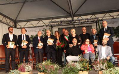 Applausi e standing ovation per Katia Ricciarelli è lei la regina del Tartufo d'Oro di Sant'Angelo in Vado